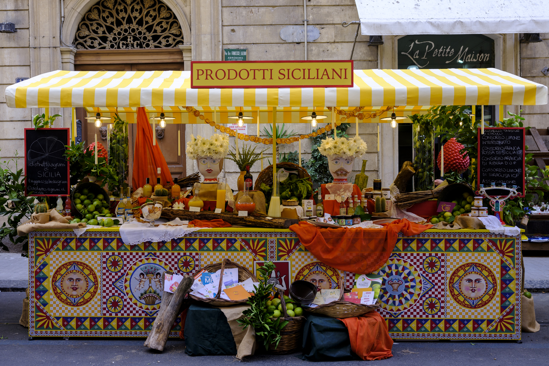 "05/08/2020 - Second stage in Caltagirone. ""Stand"" set up with Sicilian citrus excellences within the itinerant project of the Sicilian Region, with the creative direction of Dolce & Gabbana"